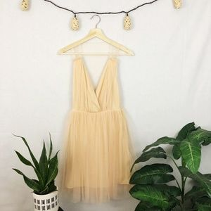 NWOT ASOS peach color deep plunge tulle dress 4